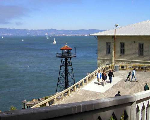 Alcatraz_guard_tower